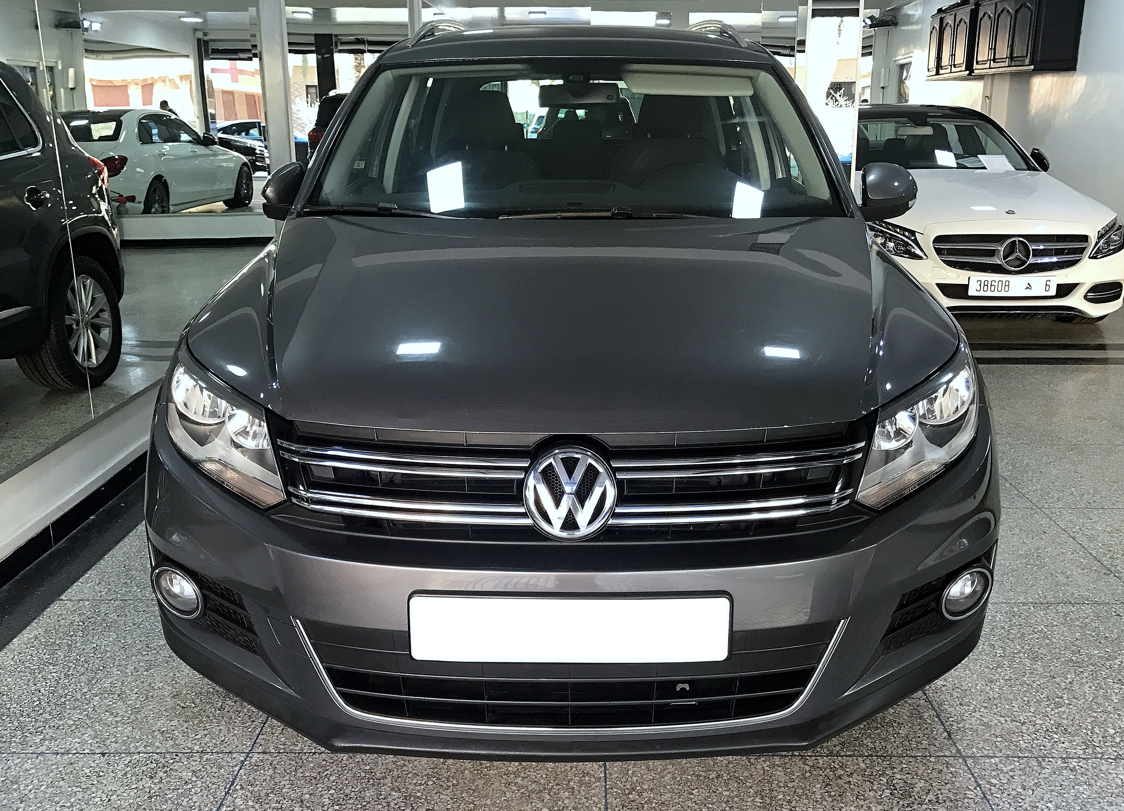 volkswagen tiguan 2 0 tdi highline bva dgs 7 auto achraf. Black Bedroom Furniture Sets. Home Design Ideas